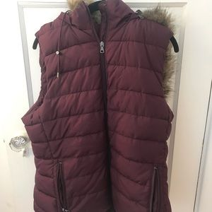 Purple sleeveless vest with faux fur